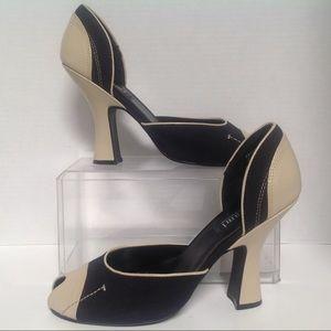 CAMI International Size 9 black And Beige Peep Toe